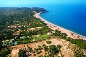 Goa, India --- Beach Resort --- Image by © David Jay Zimmerman/Corbis