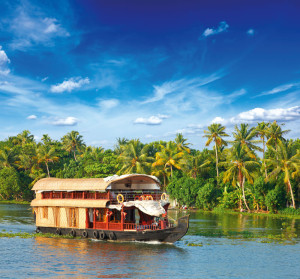 trvl-rt-plane-ingrtsindi-Fotolia_42183568_Houseboat-on-Kerala-backwaters